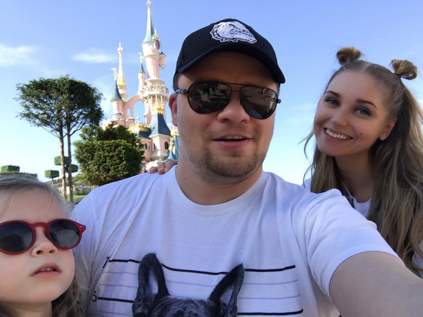 Фото семьи харламова с женой и ребенком