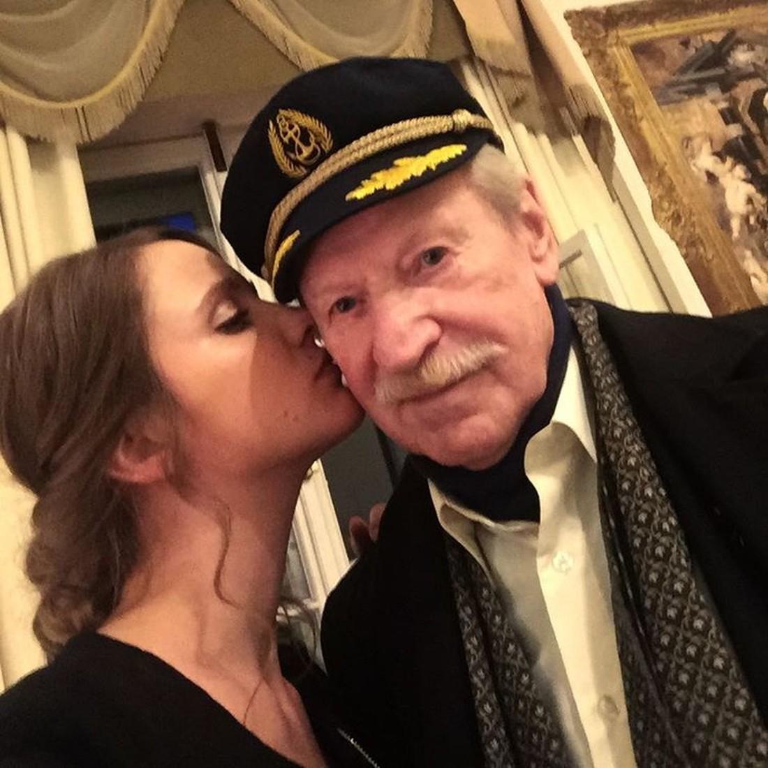 Иван краско и его молодая жена беременна 83