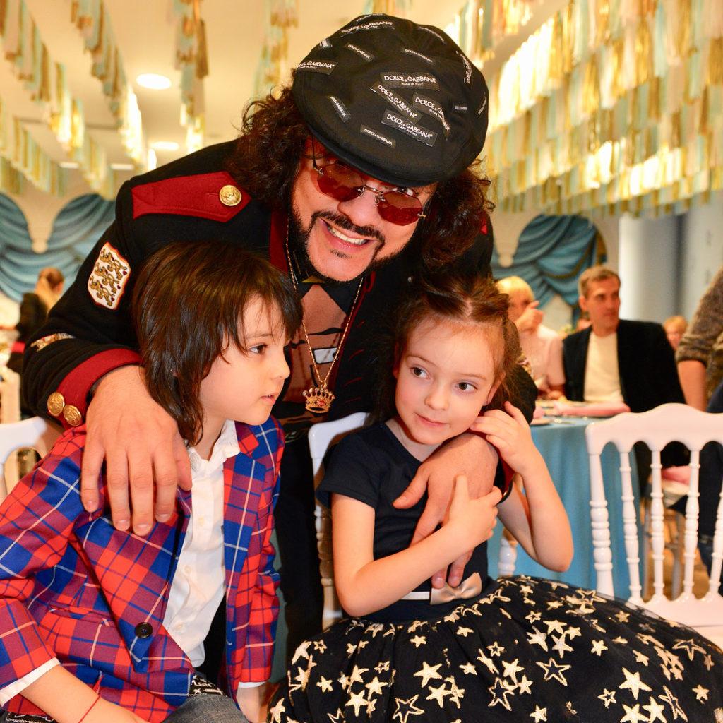 Дети филиппа киркорова фото дочери и сына 2018