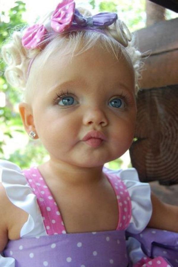 Вот так сейчас выглядит девочка, которую родители в 2 года сделали моделью