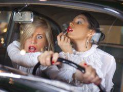 Как ведут себя женщины за рулем. Смешная подборка (видео) и советы мужчин