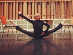 Тушите свет, спектакль окончен: Анастасия Волочкова показала, как она зажигательно танцует в обычной жизни