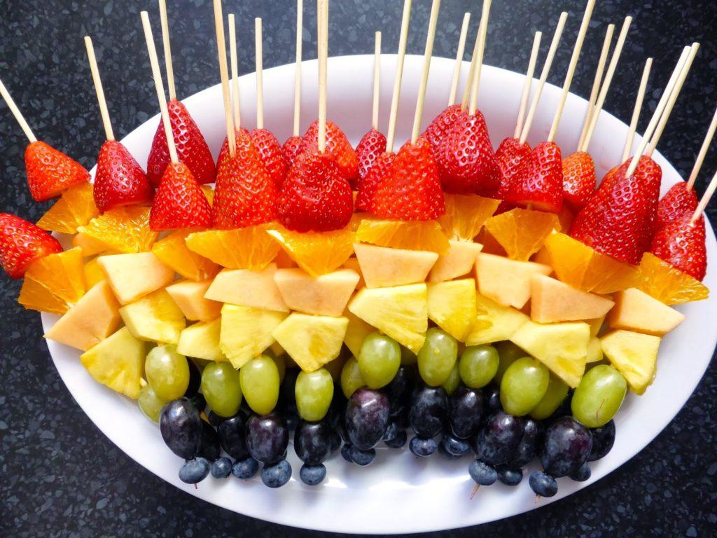 как красиво поставить фрукты на стол фото элементы должны