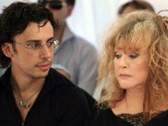 Галкин посвятил своей любимой жене песню, ну очень красиво спел!