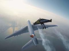 Фантастическое видео о совместном полете человека и гигантского лайнера Airbus набрало более 21 млн просмотров
