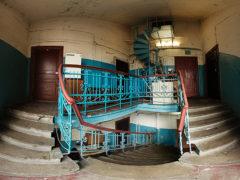 Почему все двери в квартирах СССР открывались только вовнутрь? Только сейчас выяснилась настоящая причина