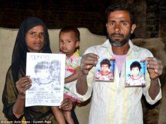 """В Индии обнаружена """"девочка-маугли"""", которую воспитала стая диких обезьян"""