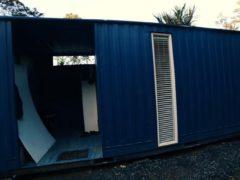 Обычный железный контейнер площадью 10 кв.м. превратился в весьма практичное жилье