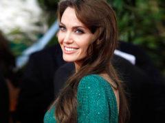 Анджелина Джоли решила сосредоточиться на детях, подавленных из-за развода