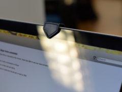 Группа хакеров показала, как можно взломать камеру Macbook совершенно незаметно