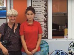Румынский фотограф опубликовала снимок продавщицы пончиков из Бишкека