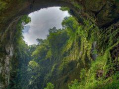 Самая большая и красивая пещера в мире, случайно обнаруженная обычным фермером
