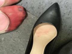 Девушка опубликовала фото своих ног, прежде чем уйти из ресторана, где она работала официанткой
