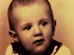 С самого детства над этим малышом жестоко издевались сверстники. Через 15 лет он посмотрел на них с экрана