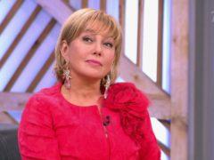 Минус 20 лет: телеведущую Арину Шарапову с трудом узнали на Первом канале