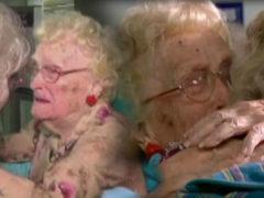 Разлука, длинною в целую жизнь: 82-летняя дочь встречается со своей 96-летней мамой