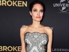 Опасная диета: Анджелина Джоли ест далеко не каждый день и выглядит крайне уставшей