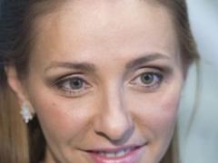 Татьяна Навка неожиданно порадовала поклонников трогательным снимком из роддома