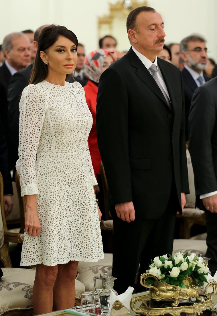 Mehriban Əliyeva Melaniya Trampı və Bricit Makronu kölgədə qoydu - FOTO