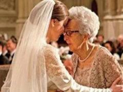 Вся в слезах она рассказала бабушке о неверности мужа. Ответ мудрой женщины облетел мир