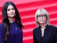 Гены не обманешь: фотографии знаменитых мам и их дочек в одном возрасте, похожих как две капли воды