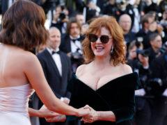 70-летняя актриса Сьюзан Сарандон продолжает одеваться так, будто ей не больше тридцати
