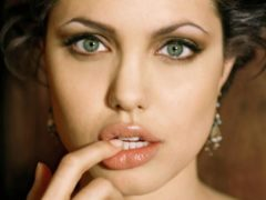 Специалисты составили рейтинг актрис, у которых глаза самые красивые в мире