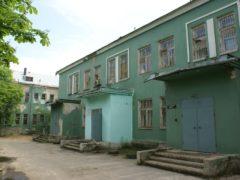 Зеленые стены и кровати на колесиках: как выглядели больницы и медицинские услуги времен СССР