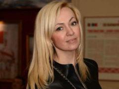 Звездная мама Яна Рудковская впервые вывела среднего сына-красавца на большую сцену