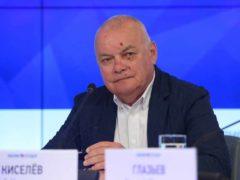 Теперь счастлив: телеведущий Дмитрий Киселев впервые показал свою восьмую жену