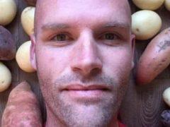 Мужчина в течении года питался исключительно картошкой и добился отличных результатов