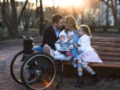 Мисс мира среди девушек на колясках поражает своим оптимизмом и красотой