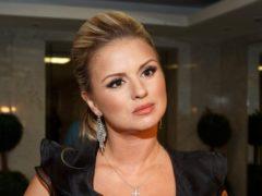 Поклонники не оценили растяжку Анны Семенович и посоветовали ей немного похудеть