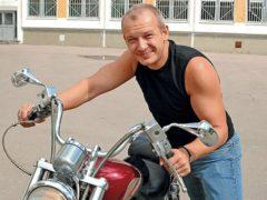 """Врачи объяснили, почему сотрудникам """"скорой"""" помощи пришлось отказать Дмитрию Марьянову"""