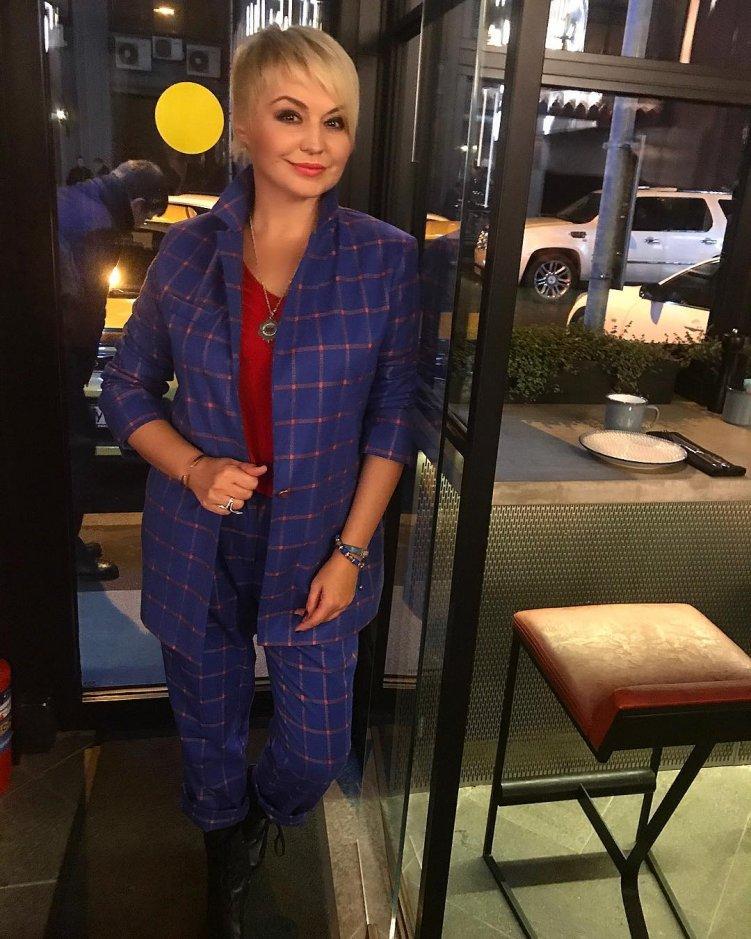 Известная певица Катя Лель впервые представила публике молодого харизматичного супруга