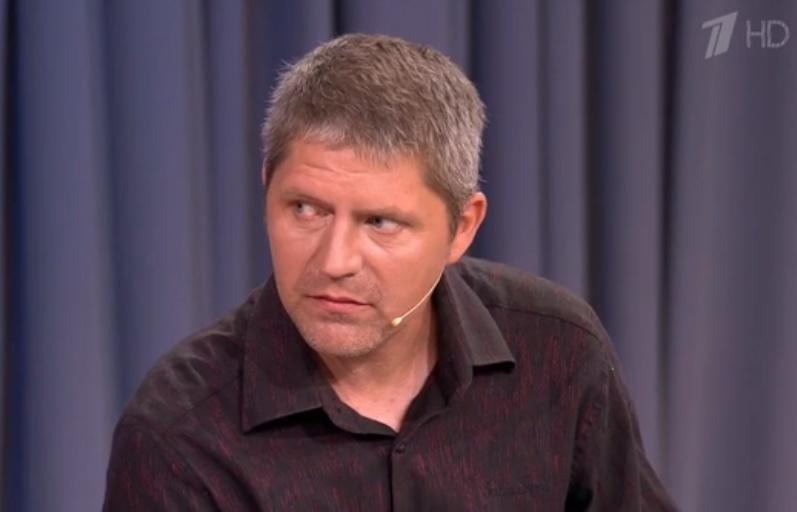 Картинки по запросу зрители Первого канала требуют уволить Александра Гордона и его соведущую
