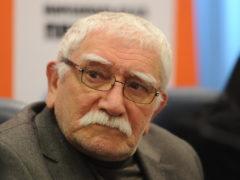 СМИ: из театра Армена Джигарханяна похищено и вывезено за границу порядка 80 миллионов рублей