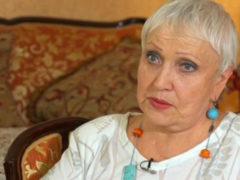 Популярная в 70-е певица Галина Ненашева разрыдалась из-за нового ремонта в квартире