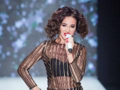 Ольга Бузова в откровенных нарядах затмила всех своей красотой на Неделе моды в Москве