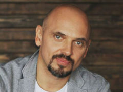 Медики пытаются спасти артисту зрение: солист группы «Песняры» Андрей Еронин разбился в ДТП