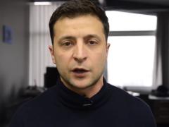 """Зеленский записал видео, в котором набросился на СБУ с критикой из-за запрета сериала """"Сваты"""""""