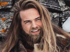Горячий норвежский лейтенант с внешностью викинга сводит с ума всех женщин без исключения