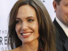 Западные СМИ: Анджелина Джоли готовится к четвертой свадьбе с богатым 40-летним бизнесменом