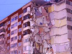 Словно взрыв бомбы: обрушившаяся в одно мгновение часть девятиэтажки лишила людей крыши над головой