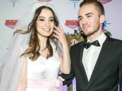 Разрушивший брак бесконечными изменами экс-супруг Виктории Дайнеко показал свою избранницу