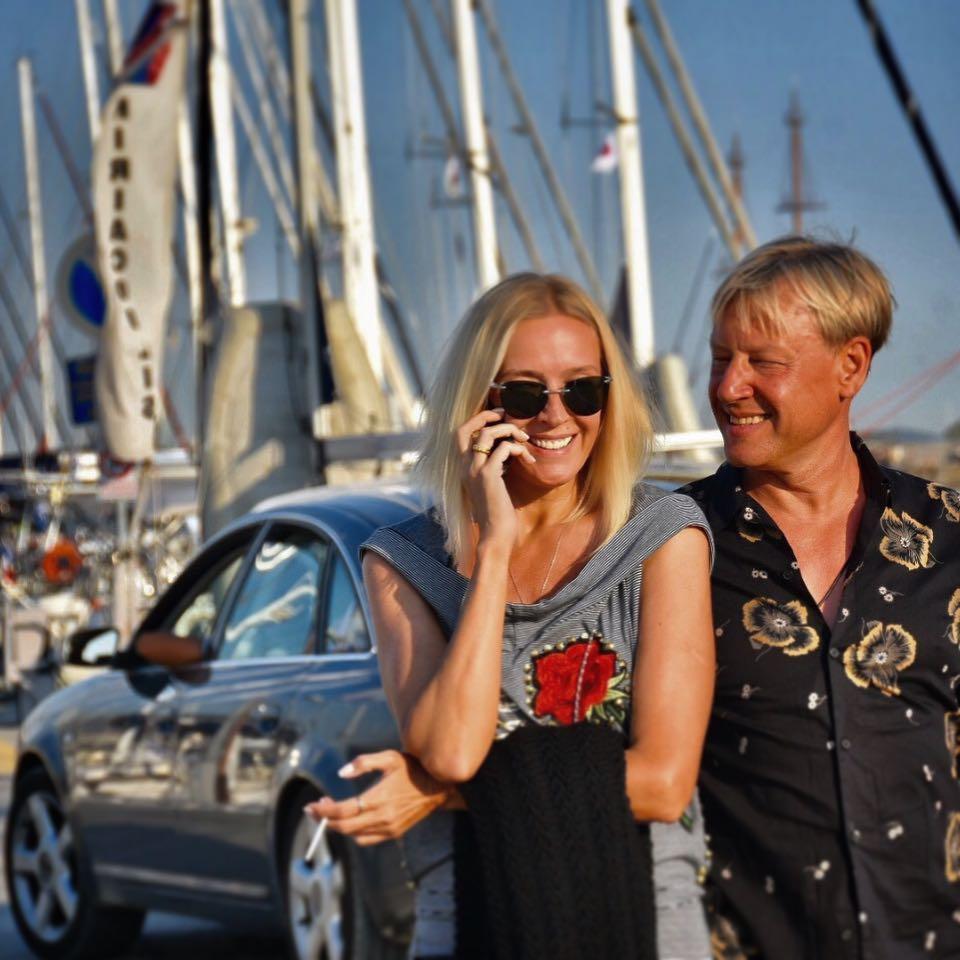 50-летняя супруга Дмитрия Харатьяна очаровывает всех своей красотой и цветущим внешним видом