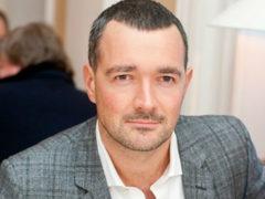 Серьезно настроенный Егор Бероев рассказал о самых важных семейных планах на будущий год