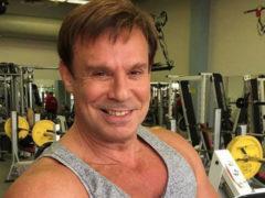 Свеж и полон сил: Ефим Шифрин в свои 60 с плюсом удивил новыми горячими снимками из спортзала