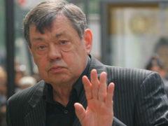 Онкобольного Николая Караченцова неожиданно похоронили сразу несколько крупных поисковиков
