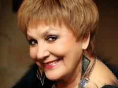 Поменяла сустав и влюбилась: 70-летняя Татьяна Судец вышла в свет с симпатичным молодым кавалером